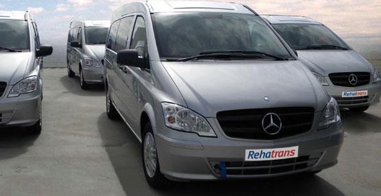 Rehatrans entrega en Abu Dhabi los primeros monovolumen Vito Shuttle adaptados para Taxi