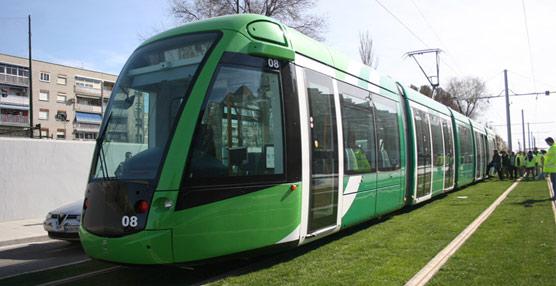 El tranvía de Parla, que realiza un recorrido de más de ocho kilómetros y acoge a cinco millones de viajeros cada año, dispone ahora de WiFi gratuito