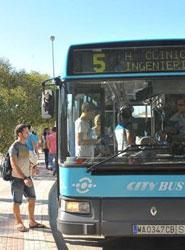 El Ayuntamiento de Málaga remodela el servicio de transporte público a la ampliación de la universidad