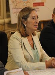 Ana Pastor señala como prioritaria la intermodalidad marítimo-terrestre en la estrategia logística