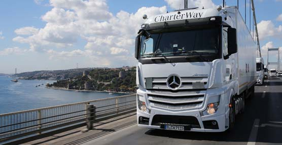 La fábrica de camiones Mercedes-Benz en Wörth celebra 50 años de historia