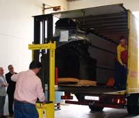 Los primeros materiales del proyecto solidario Laovo Cande inician su viaje hacia Guinea-Bissau de la mano de DHL Freight