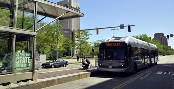 Construir una línea de autobús eficaz puede ayudar a fomentar la inversión urbana