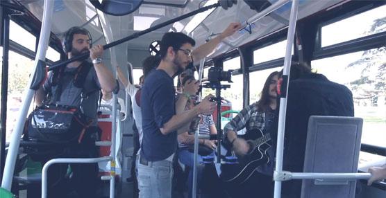 EMT Valencia estrena una experiencia pionera a nivel mundial con microconciertos a bordo de los autobuses