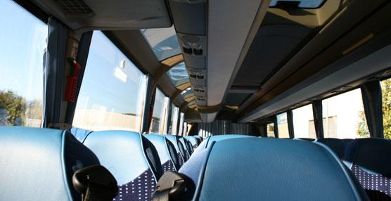 La empresa Autos R. Outeiral aumenta su flota con el primer Magelys Pro de Iveco Bus que se entrega en Galicia