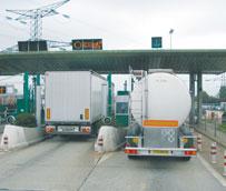 El Gobierno autoriza a Fomento un nuevo descuentoen los peajes de los tramos de la AP-2 y AP-68 para vehículos pesados