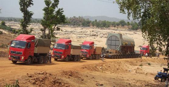 Goldhofer presenta sus soluciones de transporte en el salón Excon India 2013 en la ciudad de Bangalore