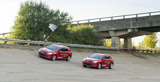 El Opel Astraestablece un 'Record de Conducción en 24 Horas', siendo el diésel de serie más rápido