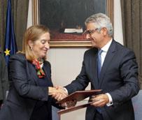 Pastor firma un protocolo de colaboración para impulsar el transporte ferroviario de mercancías en el sector del Gran Consumo
