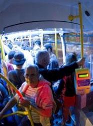 Guaguas Municipales aumenta un 22% los viajeros de las líneas 'Luna' en fin de semana desde su creación en marzo