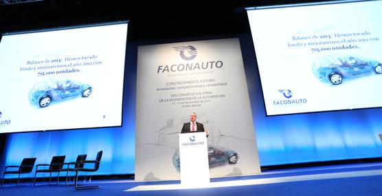 Momento de la intervención del presidente de Faconauto, Jaume Roura.