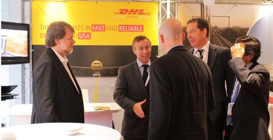 DHL presenta su guía de aduanas en la feria 'USA Week Europe', celebrada en el museoGuggenheim de Bilbao