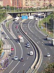 La Fundación PONS y AENOR apuestan por prevenir los accidentes de tráfico.