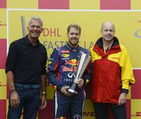 DHL entrega el premio a la Vuelta más Rápida 2013 a Sebastian Vettel