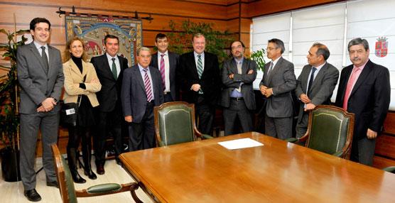 Castilla y León renueva el compromiso de colaboración con el sector del transporte público por carretera