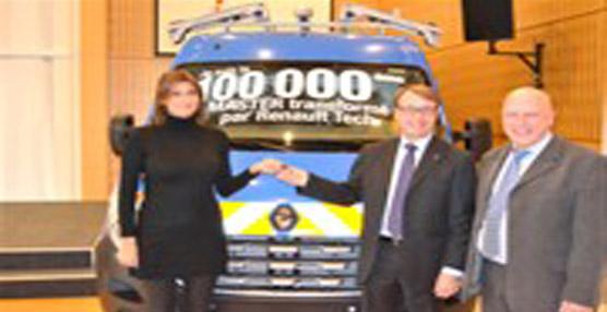 Renault Tech entrega su furgoneta 'Master' número 100.000 al grupo energético EDF en su planta francesa de Batilly