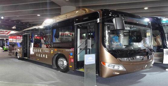 El subdirector de desarrollo tecnológico de China, Wang Binggang hace un llamamiento para invertir en autobuses híbridos