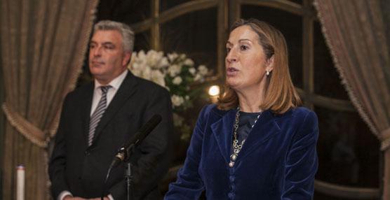 La ministra de Fomento y su homólogo francés reciben el Premio Diálogo por la conexión ferroviaria entre España y Francia