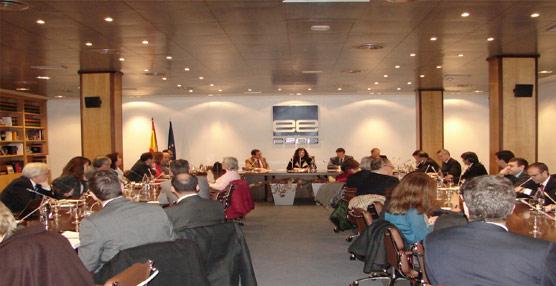 La CEOE organiza una jornada con empresarios y miembros de la Administración para analizar la eficiencia energética en el transporte