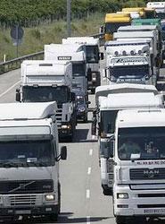 Fenadismer solicita a Fomento un Plan de Control contra la competencia desleal de las empresas de transporte extranjeras