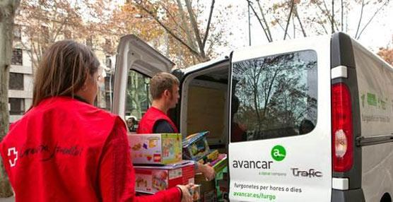 Avancar colabora en la logística solidaria de la campaña 'Cap infant fora de joc' transportando juguetes en Barcelona