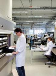 Multinacional Farmacéutica en Barberá del Vallés recibe el pedido de un almacén automático vertical climatizado de VRC