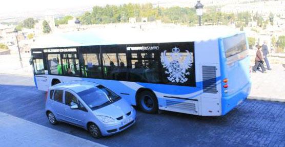 Autobús de Toledo en su recorrido por la ciudad.