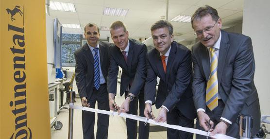 Inauguración del nuevo laboratorio de Continental para optimizar la eficiencia del combustible.