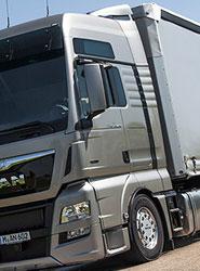 El consumo de carburantes modera su caída en 2013 y suma seis años de descensos