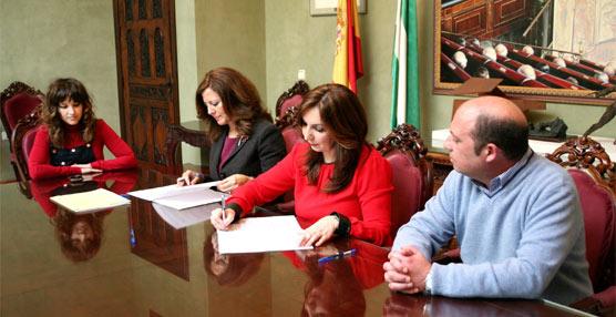 300 estudiantes del Municipio deRota reciben tarjetas del Consorcio de Transportes de la Bahía de Cádiz