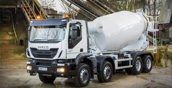 La italiana Iveco entrega su primera unidad del Nuevo Trakker Hormigonera para el mercado británico