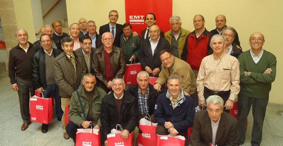 Grupo de jubilados homenajeados por la EMT de Valencia.