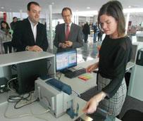 El Ayuntamiento de Murcia estrena punto de atención al viajero y la aplicación para móviles 'TmurciaBus'