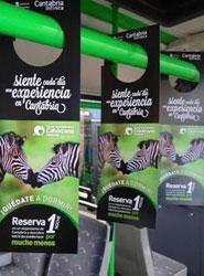 Cantabria se promociona en los autobuses de Madrid con una campaña de 'perching'