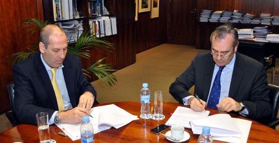 Puertos del Estado y Sasemar firman un acuerdo para incrementar la seguridad del control del tráfico marítimo portuario