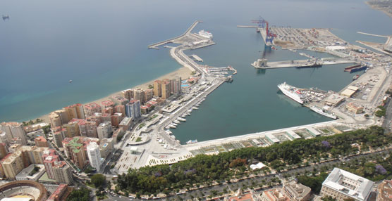 Un centenar de autobuses participarán en el traslado de cruceristas en una operativa pionera en Málaga