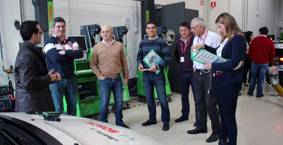 Bosch presenta sus novedades a un grupo de clientes del 'Bosch Diagnostics Team'