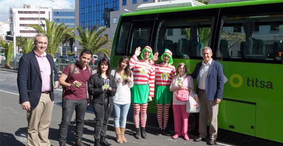 Los ganadores del concurso '¿Dónde está Wawy?' reciben un abono para viajar gratis durante un año en autobús