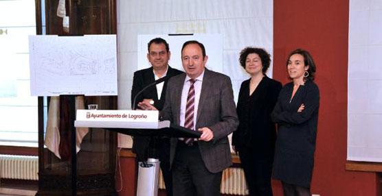 El presidente del Gobierno de La Rioja, Pedro Sanz, la alcaldesa de Logroño, Cuca Gamarra, y el arquitecto Iñaki Ábalos, han presentado el proyecto básico de la Estación de Autobuses.