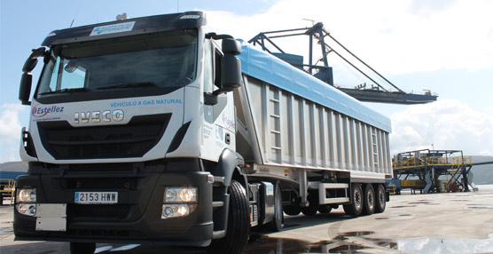 Iveco entregaen Ferrolel primer Stralis propulsado concombustibles alternativosque funciona enGalicia