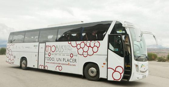 El Enobús, bus turístico del vino de Rioja Alavesa, recibe una mención especial en los premios de Acevin