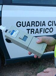 La sanción por conducir bajo los efectos de drogas y alcohol se eleva a 1.000 euros.