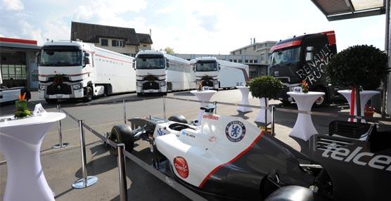 Los cuatro nuevos Renault Trucks T High de la escudería Sauber F1 Team echan a rodar en Montmeló