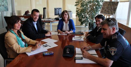 La consejería de Movilidad de Ibiza solicita mejorar la situación de las paradas de autobús.