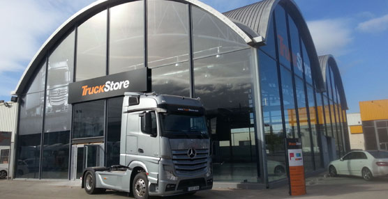 El Mercedes TruckStore de Valencia renueva sus instalaciones.