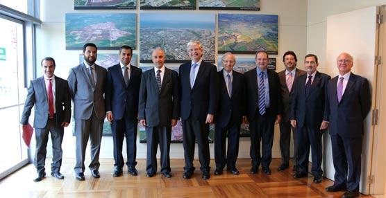 Mohammed Alzarooni, presidente de la Organización Mundial de Zonas Francas, ofrece una conferencia en Barcelona