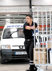 MRW pone en marcha este verano, por tercer año consecutivo, su servicio 'Yatelollevo.com'