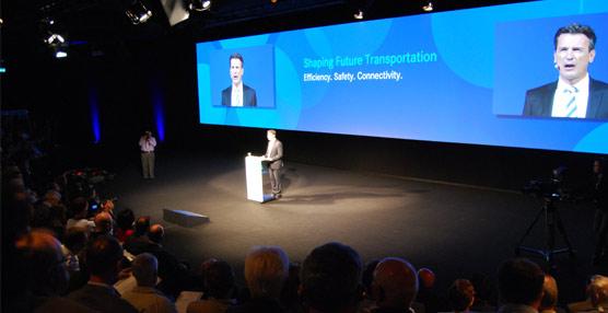 Mercedes-Benz sienta las bases del transporte de larga distancia del mañana con su 'Future Truck 2025'