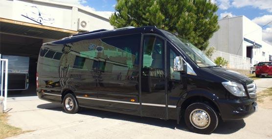 Elegance Limousines estrena una unidad Corvi Elit Long de Car-bus.net sobre furgón Sprinter de MB