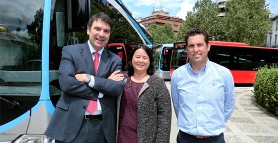 Granada pone en funcionamiento la línea 'Bus Rapid Transit' de la mano de Mercedes-Benz y su CapaCity